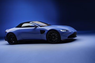 2021 Aston Martin Vantage Roadster Debuts World's Quickest-Folding Soft Top