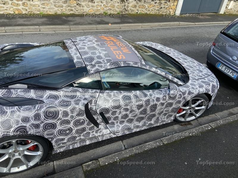 Did We Just Catch a McLaren GT Hybrid in the Wild? Exterior Spyshots - image 887302
