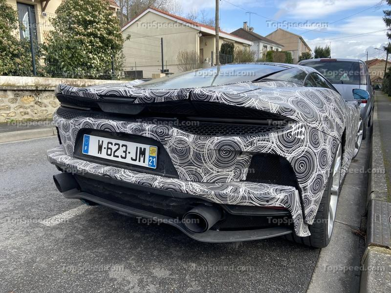 Did We Just Catch a McLaren GT Hybrid in the Wild? Exterior Spyshots - image 887305