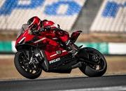 Ducati finally unleashed their most extreme production motorcycle till date: The Superleggera V4 - image 885372