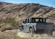 2020 Jeep Gladiator Mojave And High Altitude Special Editions - image 884901