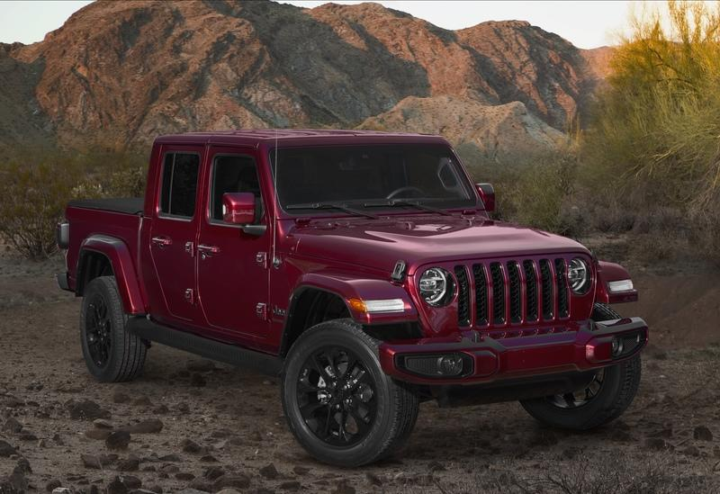 2020 Jeep Gladiator Mojave And High Altitude Special Editions - image 884913