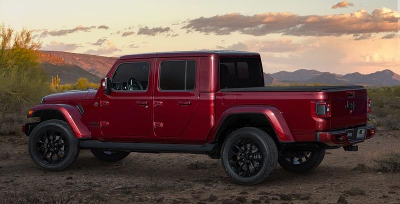 2020 Jeep Gladiator Mojave And High Altitude Special Editions - image 884914