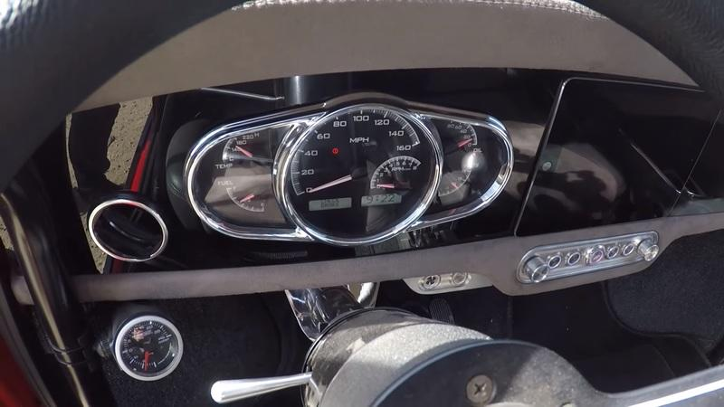 This Mini Cooper Shares a Mind-Blowing Detail With the Bugatti Veyron