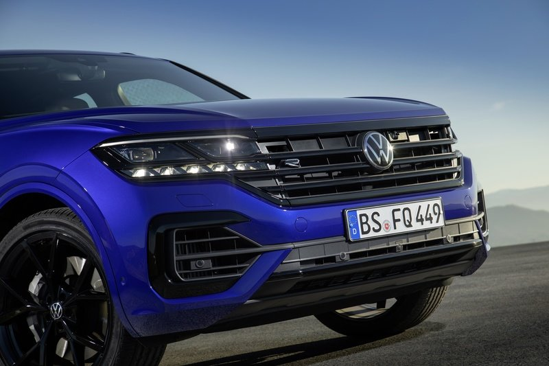 2020 volkswagen touareg r in depth review and competition 2020 volkswagen touareg r in depth