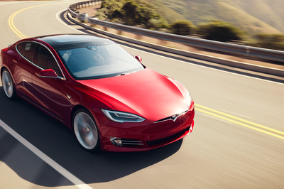 Here's Why You Should and Shouldn't Buy a Tesla
