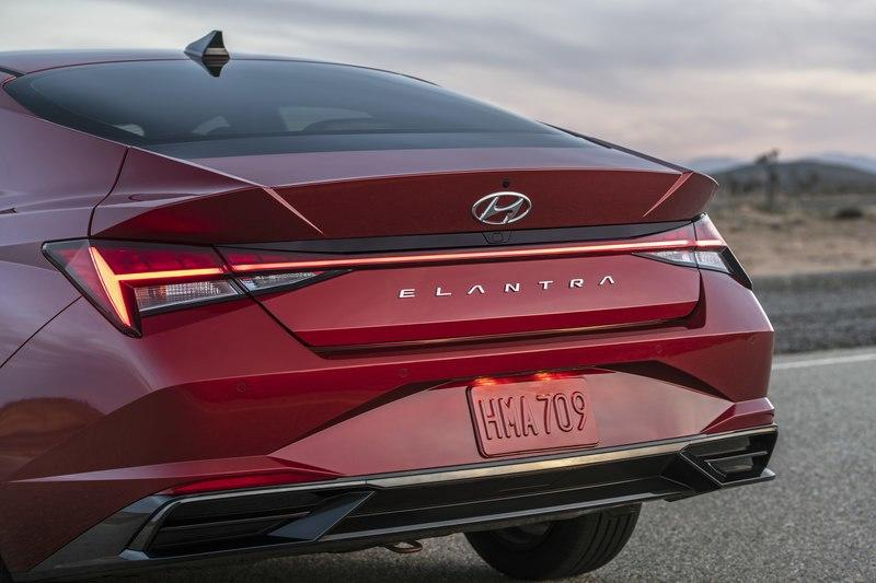 2021 Hyundai Elantra The Peoples Car Is Better Than Ever
