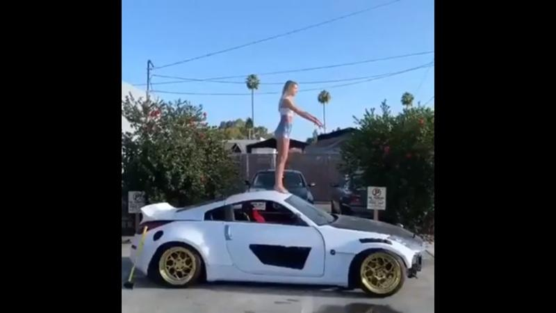 Fail of the Week: Nissan 350Z vs Dumb Girl