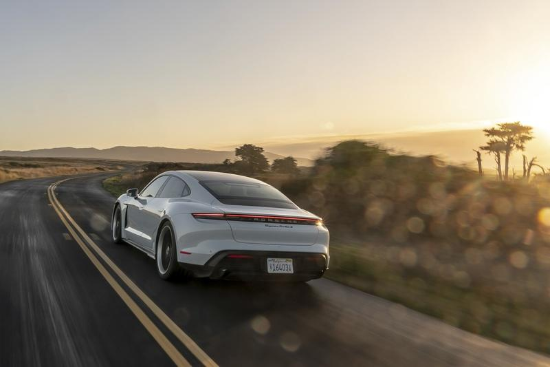 Cheetah Stance Has Brought the Tesla Model S In Line With the Porsche Taycan - image 898396