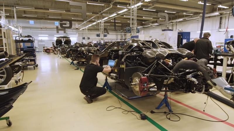 If You Think Making a Koenigsegg Road Legal Is Easy, Think Again! - image 897114