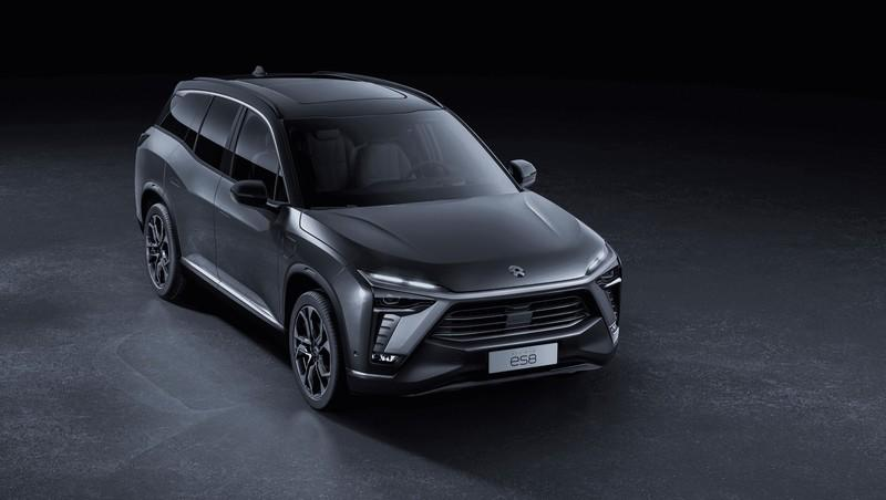 Nio Comes Rolling Through the Flames of Disaster with an Updated ES8 Electric SUV