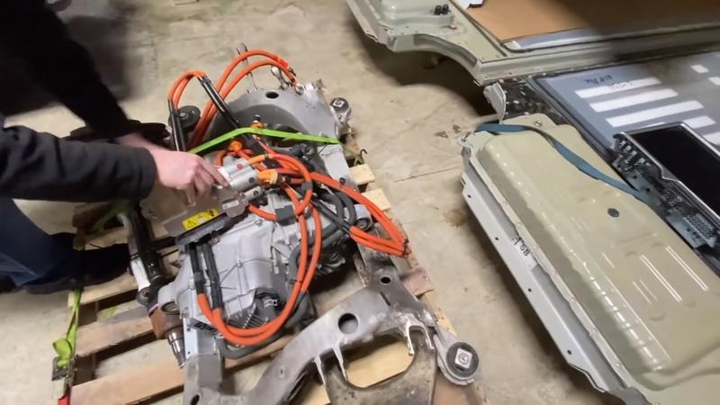 Here's How to Put A Bigger Motor Into A Tesla Model S 75D