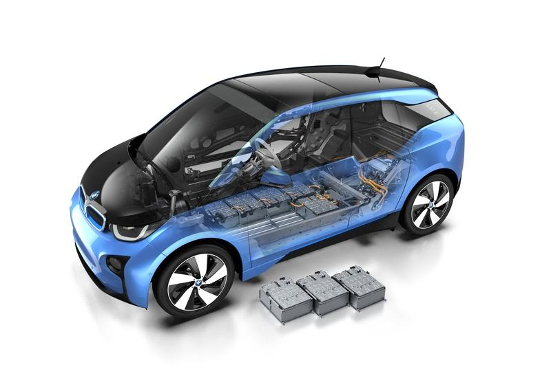 BMW Believes That Solid State Batteries Are Still At Least 7 Years Out - image 899755