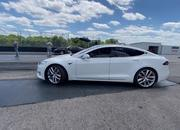 Tesla Model S Performance With The 'Cheetah Stance' Sets A New Quarter-Mile Record - image 907538