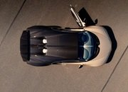 Watch In Amazement as the Bugatti Chiron Peaks At 261 MPH - image 899664