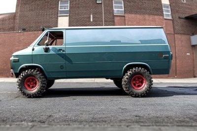 This Lifted, Off-Road GMC Vandura Would Satisfy Every Dream You Had in the 1980s
