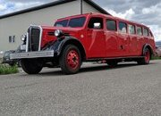 1937 Mount Rainier Kenworth Tour Bus by Legacy Classic Trucks - image 916756