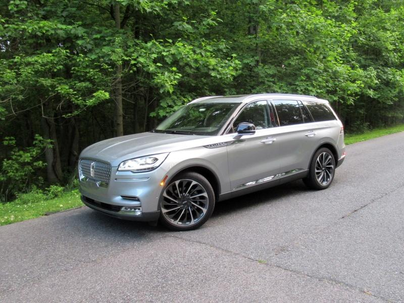 2020 Lincoln Aviator - Driven Exterior - image 920458