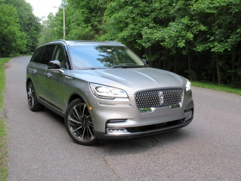 2020 Lincoln Aviator - Driven Exterior - image 920459