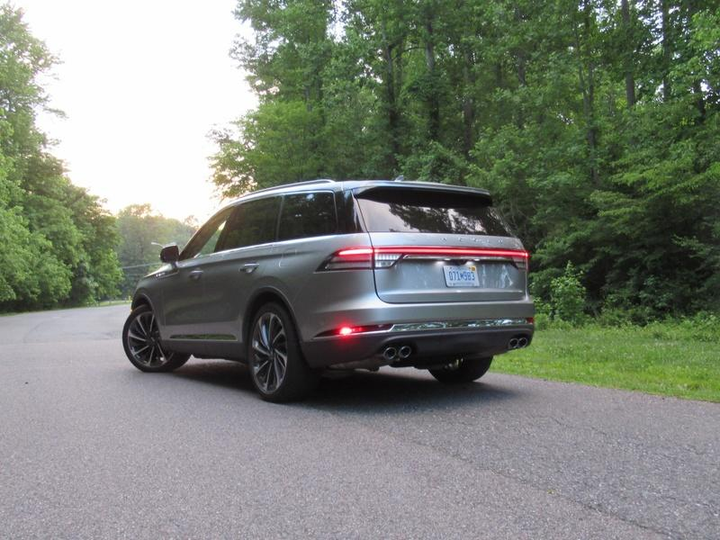 2020 Lincoln Aviator - Driven Exterior - image 920460