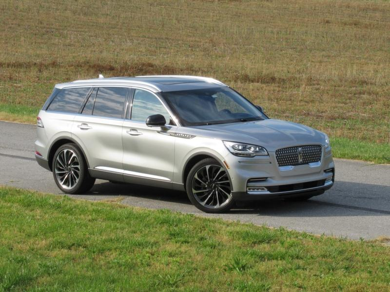 2020 Lincoln Aviator - Driven Exterior - image 920450