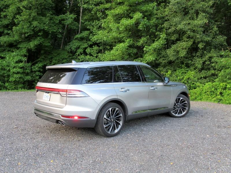 2020 Lincoln Aviator - Driven Exterior - image 920453