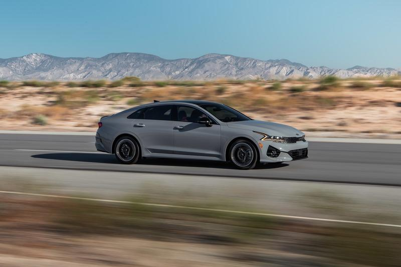 The Numbers Are In and the 2021 Kia K5 Really Does Outperform the BMW 3 Series Exterior - image 916411