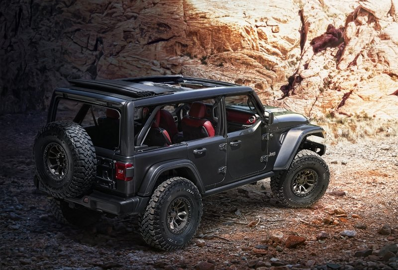 Jeep Unveils Wrangler Rubicon 392 Concept Just So It Can Ruin Ford's Party Tonight - image 919709