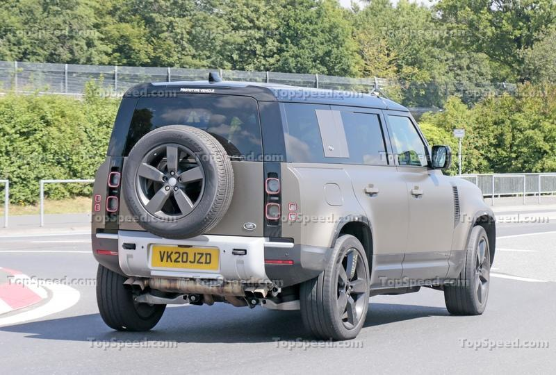 There's a Good Chance That This Land Rover Defender Is Testing a New V-8
