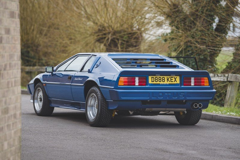 The Fastest Cars of the 1980s That You've Forgotten About - image 925891