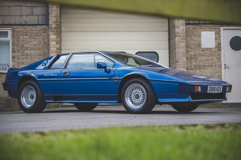 The Fastest Cars of the 1980s That You've Forgotten About - image 925892