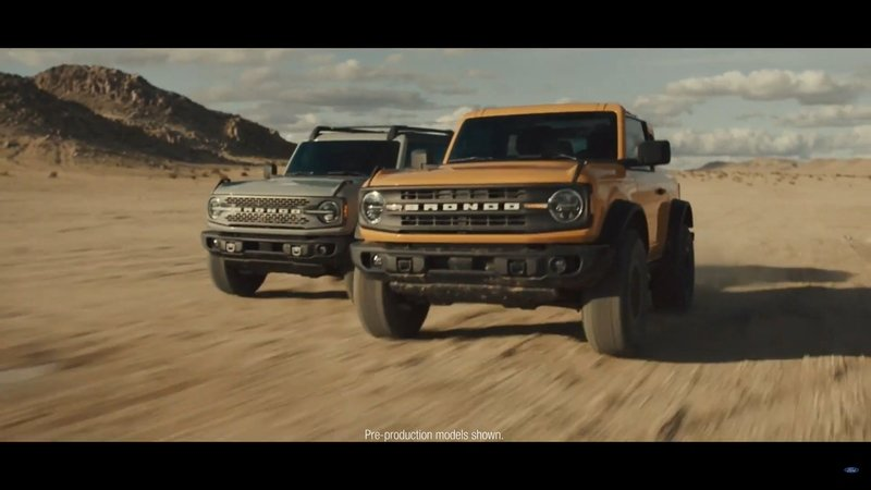 The Ford Bronco's Door Storage Solution Sets the Standard for Off-Road Vehicles - image 919854