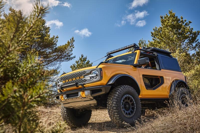 Ford Didn't Even Bother To Check if the Coyote V-8 Would Fit in the 2021 Bronco