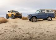 The Ford Bronco's Door Storage Solution Sets the Standard for Off-Road Vehicles - image 919937