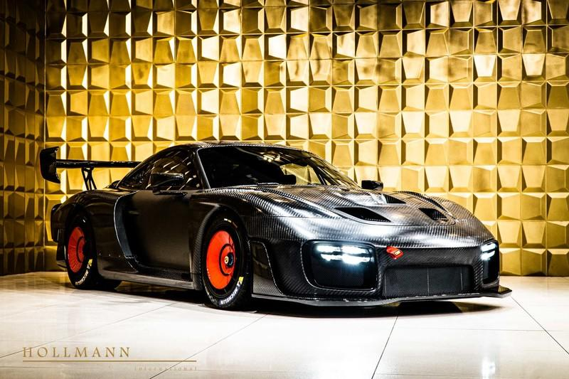 Amazing Car for Sale: Porsche 935 in Bare Carbon with Just 60 Kilometers