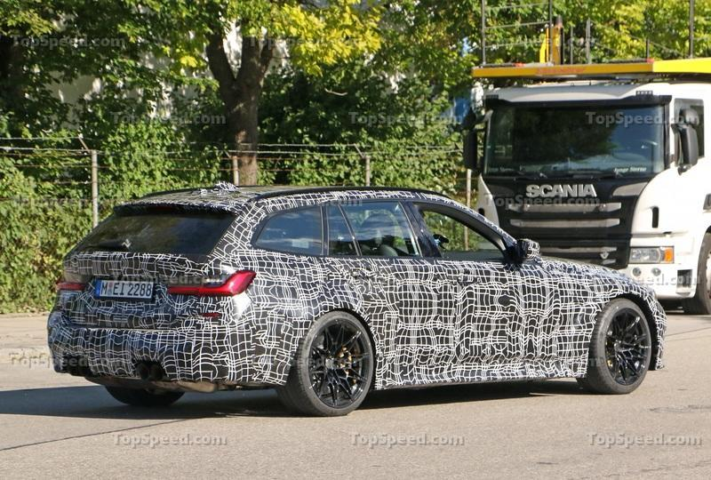 2021 BMW M3 Touring - Everything We Know Exterior Spyshots - image 931416