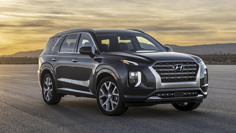 The Hyundai Palisade's Interior Smells Like Garlic, Owners Say