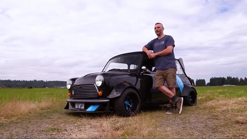 This Custom Mid-Engine Mini Is the Definition of a Pocket Rocket