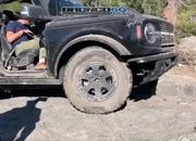 Watch How Well The 2021 Ford Bronco Handles Rock-Crawling - image 927268