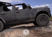 Watch The 2021 Ford Bronco Conquer The Hell's Revenge Trail In Moab - image 928641