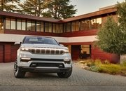 Jeep Unveils The Grand Wagoneer Concept With Bold Exterior and a Technology-Rich Cabin - image 932760
