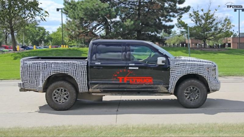 Be Prepared to Overpay For the 2021 Ford F-150 Raptor With a V-8 - image 931771
