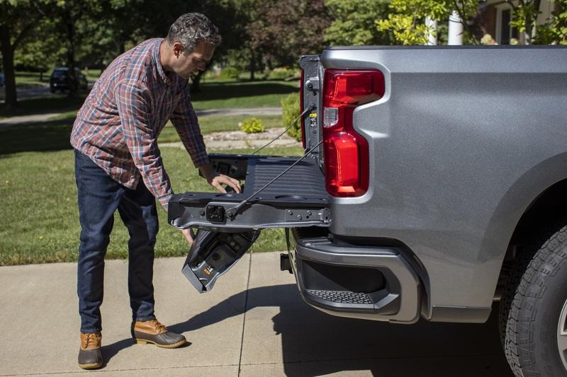 Chevrolet Details The 2021 Multi-Flex Tailgate