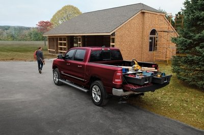 Mopar Launches Retractable Center-Mounted Bed Step for Ram 1500 Trucks
