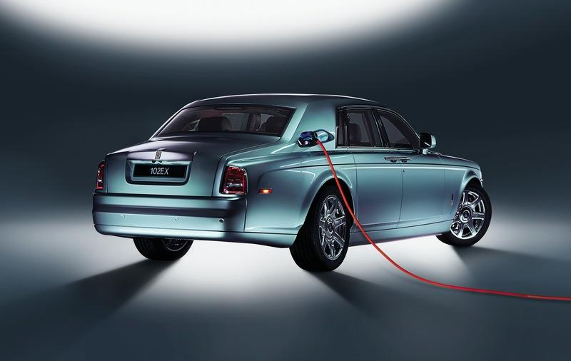 Rolls-Royce Customers Don't Want EVs Because It Requires Effort to Plug Them In - image 937236