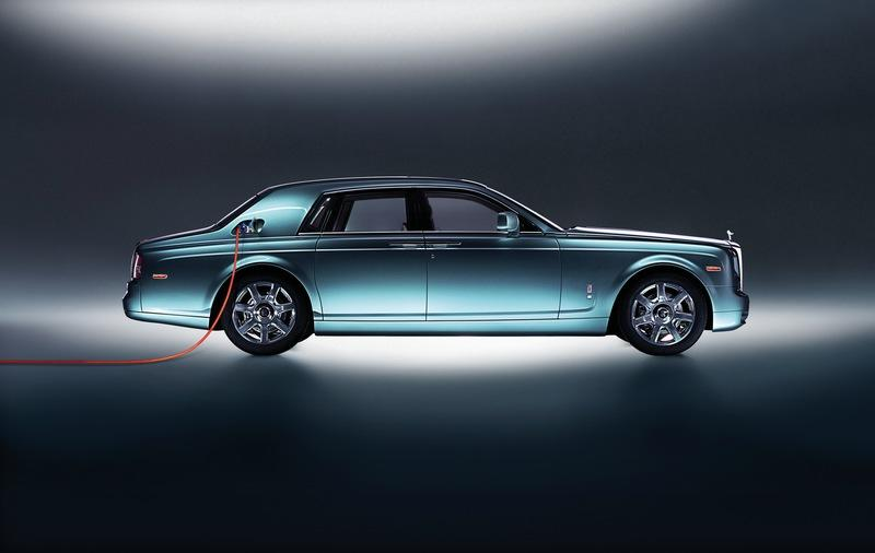 Rolls-Royce Customers Don't Want EVs Because It Requires Effort to Plug Them In - image 937233