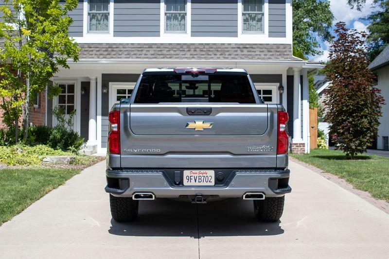 The Chevy Silverado Will Finally Have a Cool Tailgate