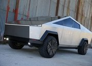 This Tesla Cybertruck Is Really A Ford F-150 Raptor Underneath - image 938066