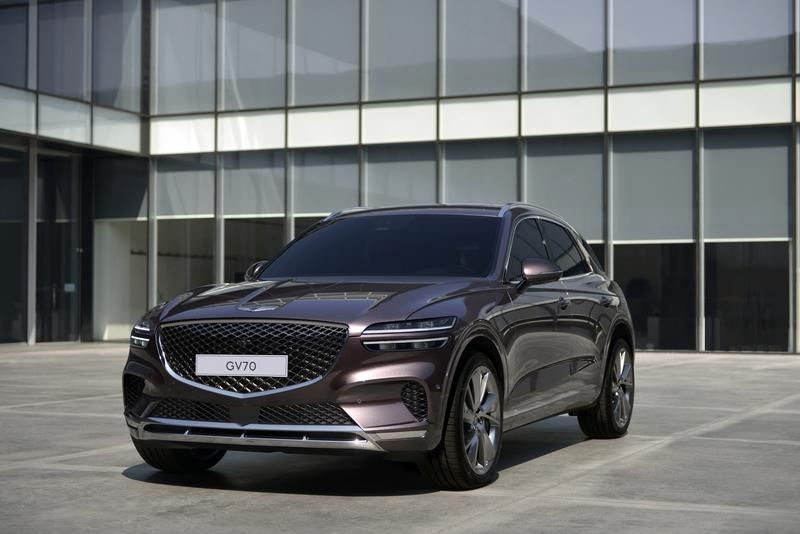 The Genesis GV70 Comes to Take Its Piece of the Compact SUV Segment
