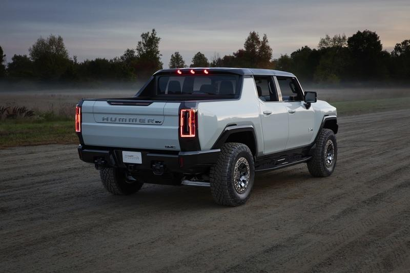 The Coolest Features of the 2022 GMC Hummer EV